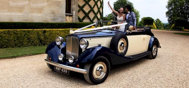 Christophers chauffuer driven wedding car hire service, Reading, berkshire