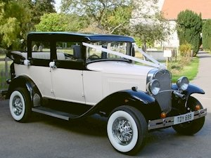 1930's style Badsworth wedding car